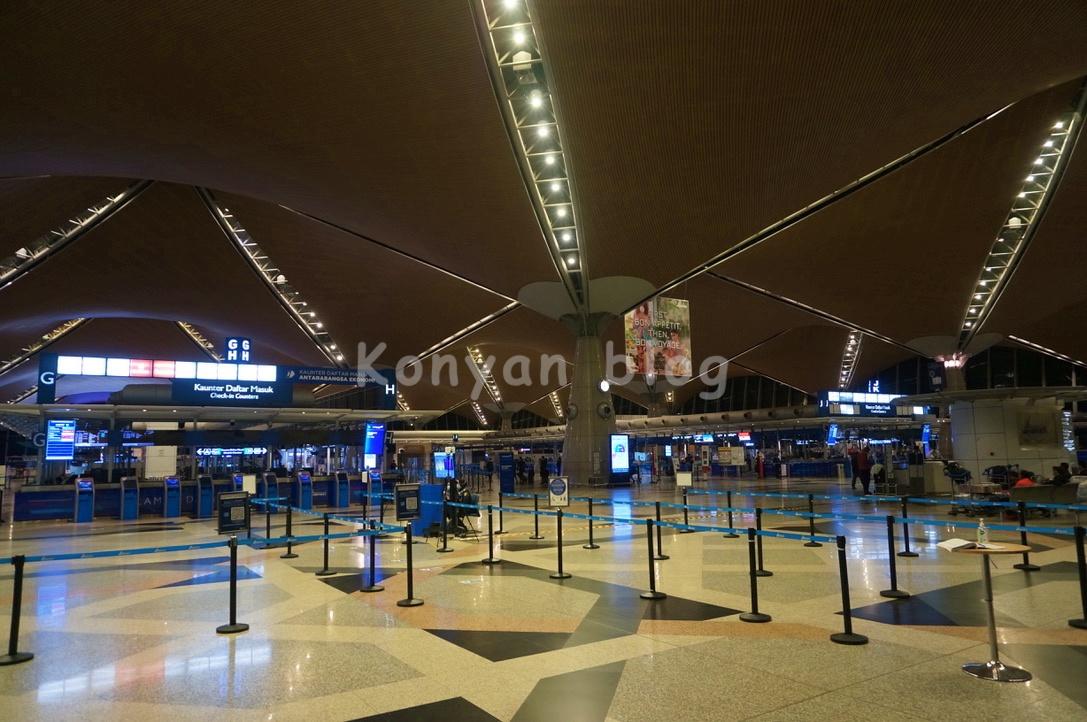 KLIA departure hall 出国