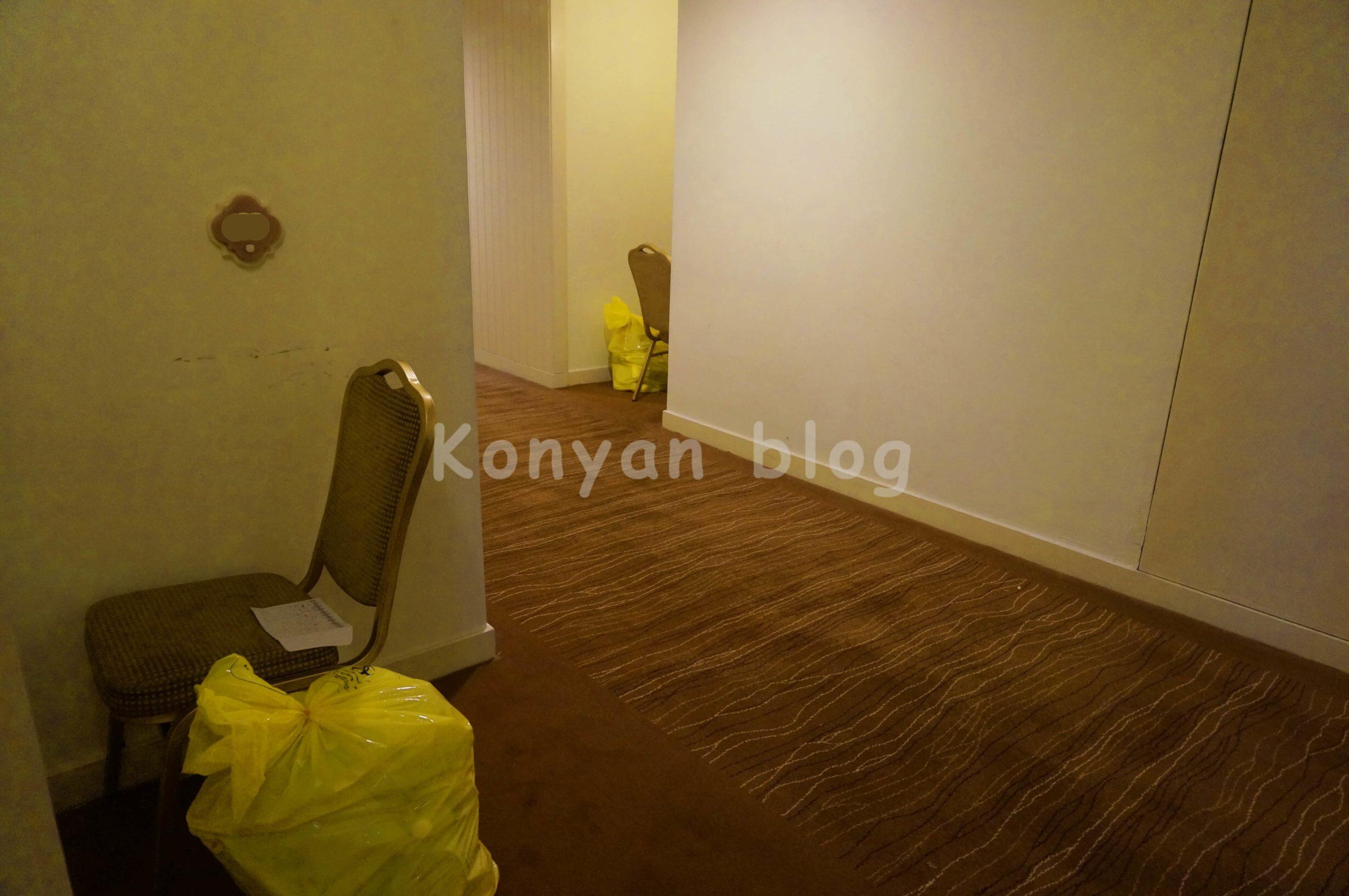ゴミ捨て Istana Hotel