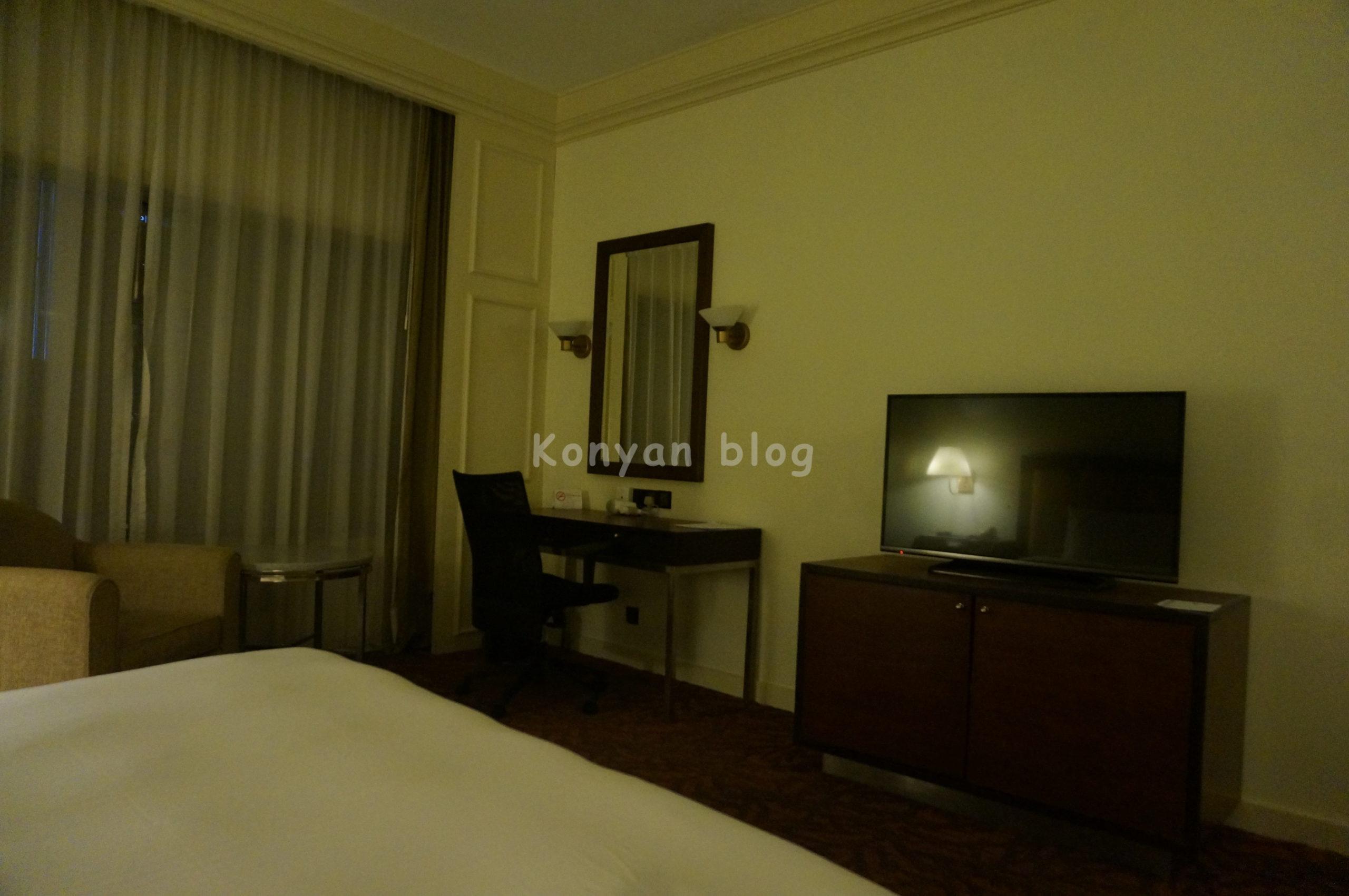 deluxe room istana hotel 2