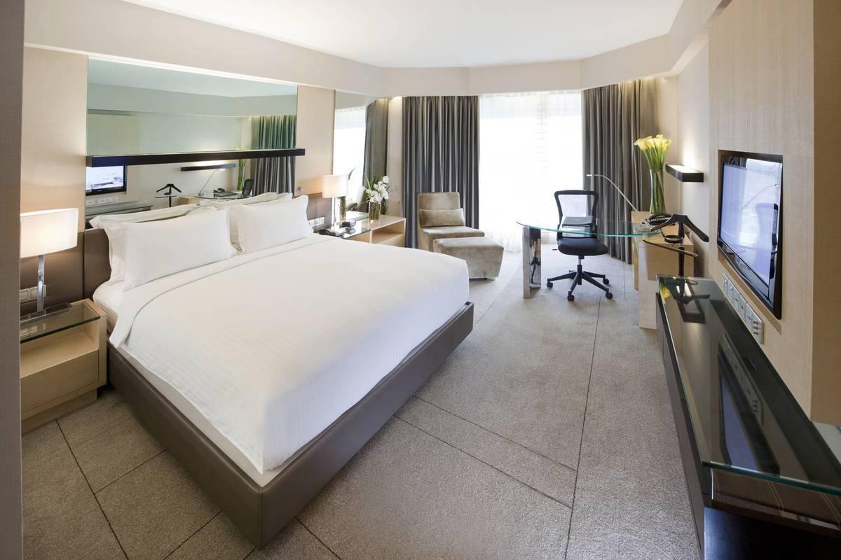deluxe room Dorsett Grand Subang